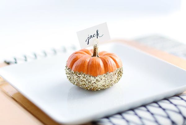 deco pumpkin orange wedding