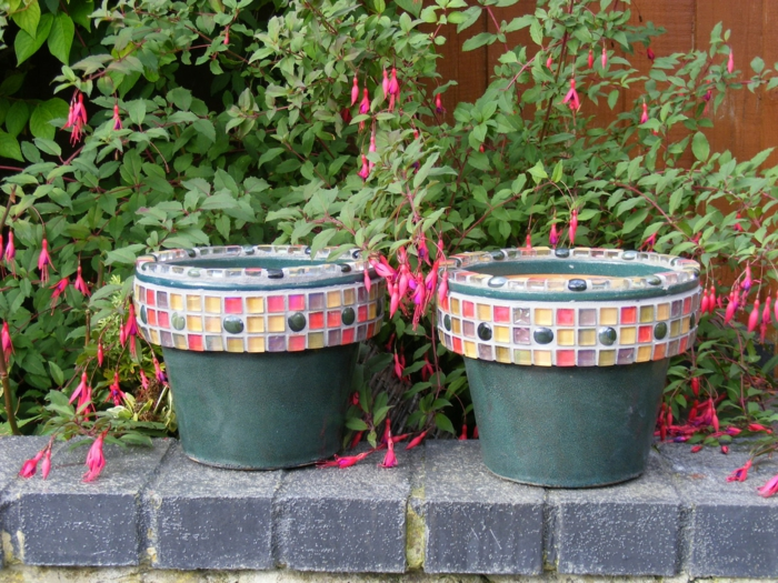 garden ideas deco garden flowerpots mosaic colored