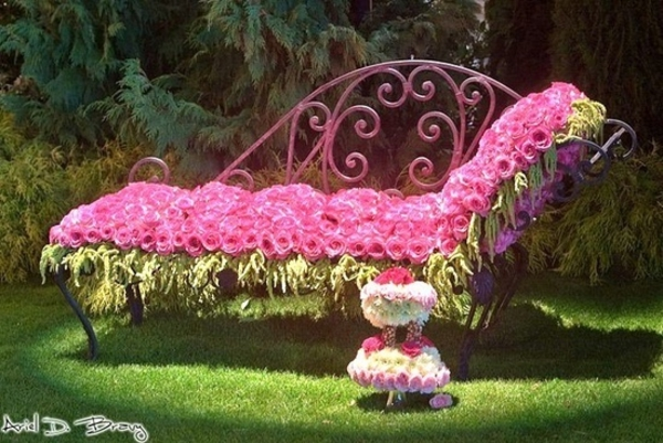 garden decorative design bed with roses