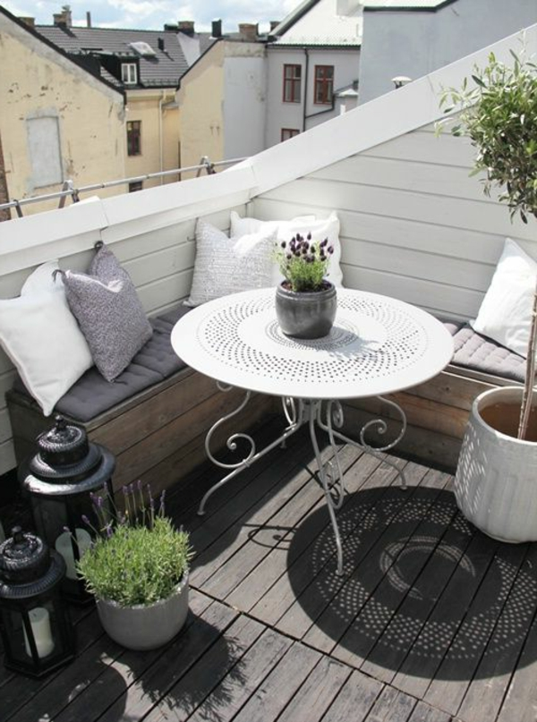 balcony design around white stylish